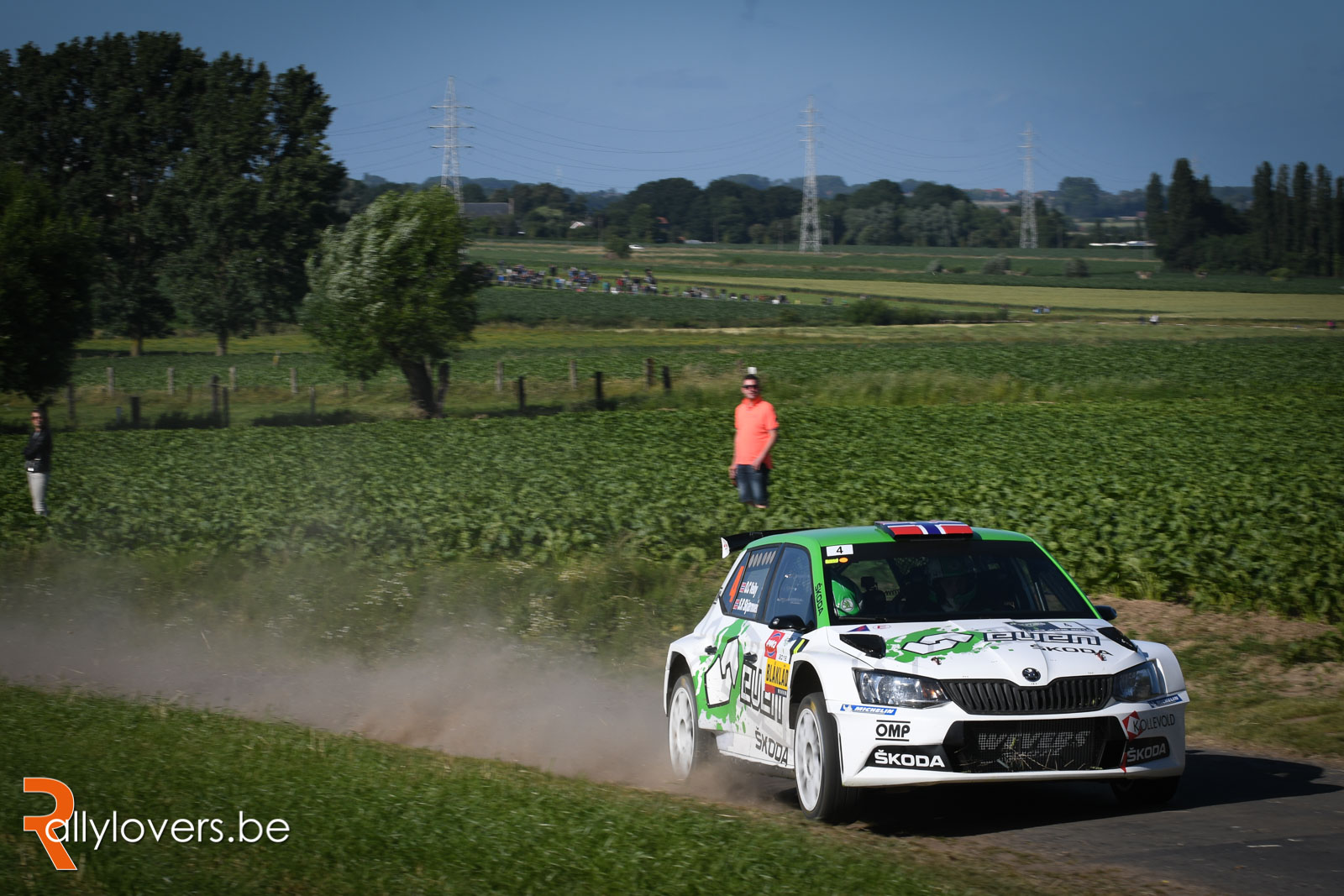Ole-Christian Veiby aan de start met een Hyundai i20 R5 in Renties Ypres Rally